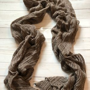 Neutral color scarf with slight hint of metallic